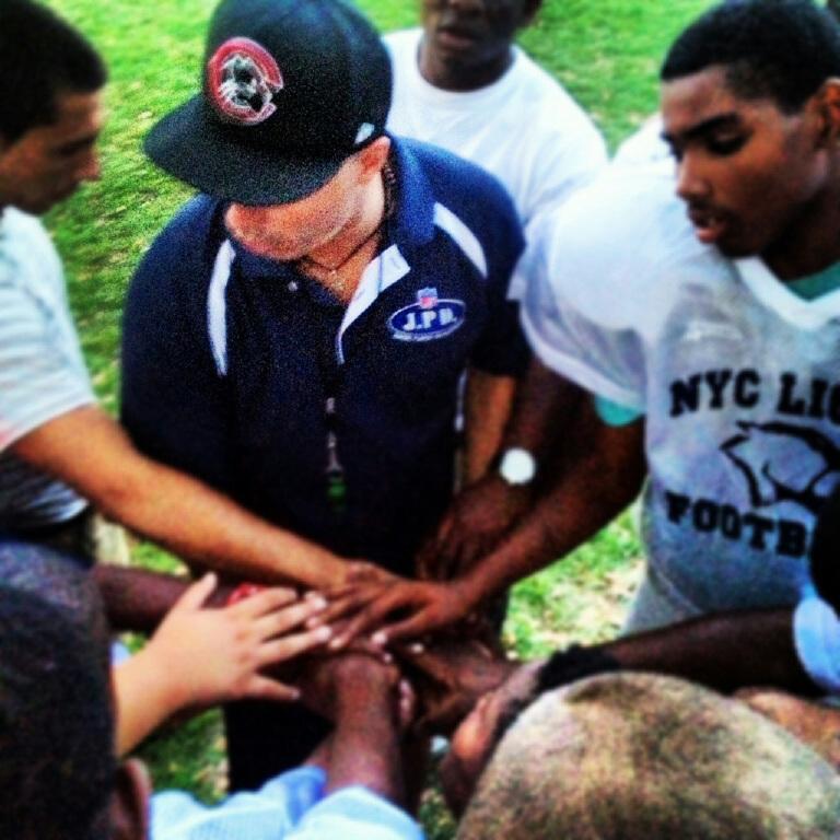 nyc lions praying